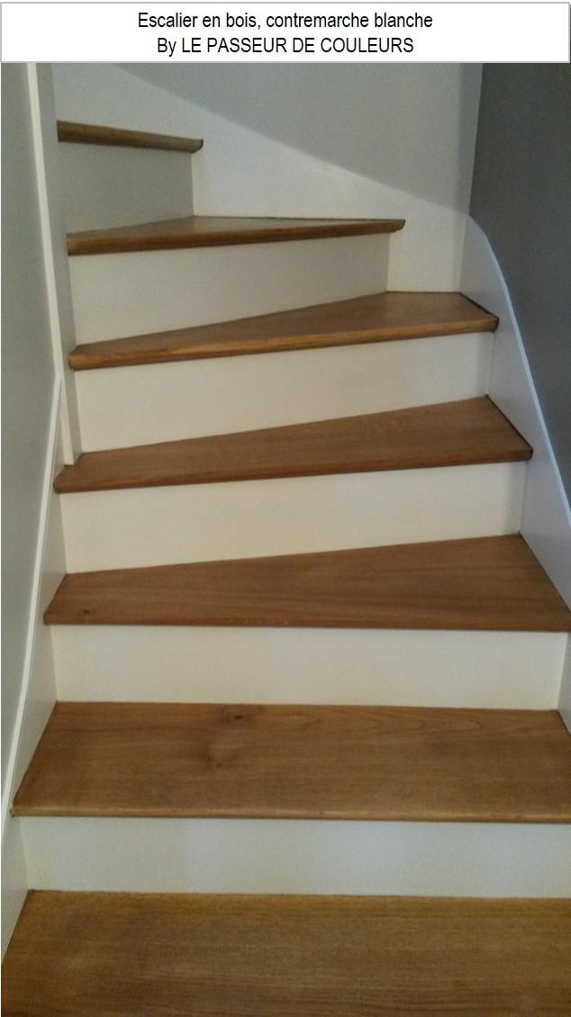 contremarche blanche sur escalier bois
