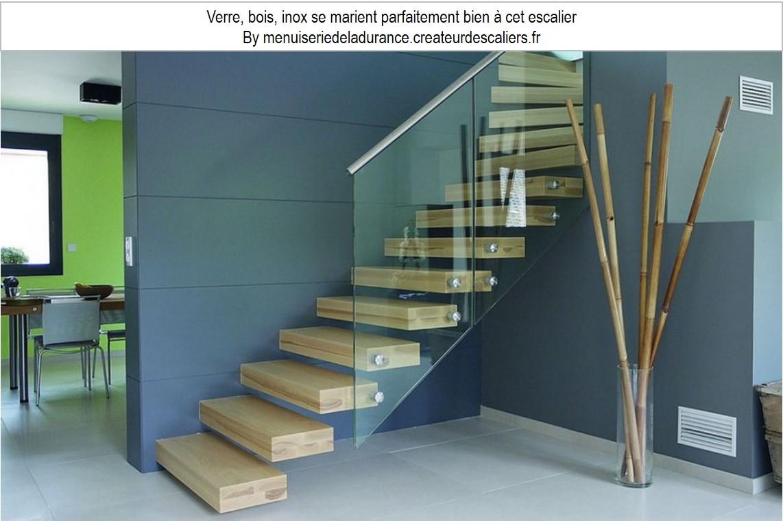 escalier suspendu rampe en verre