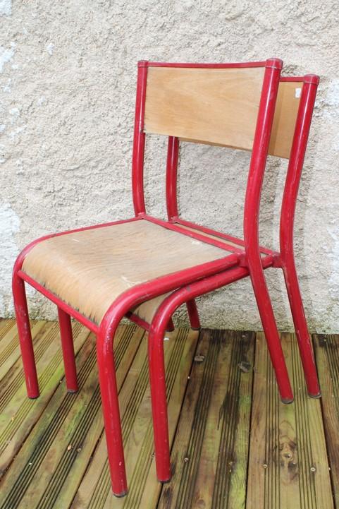 chaise écolier rouge vintage à relooker