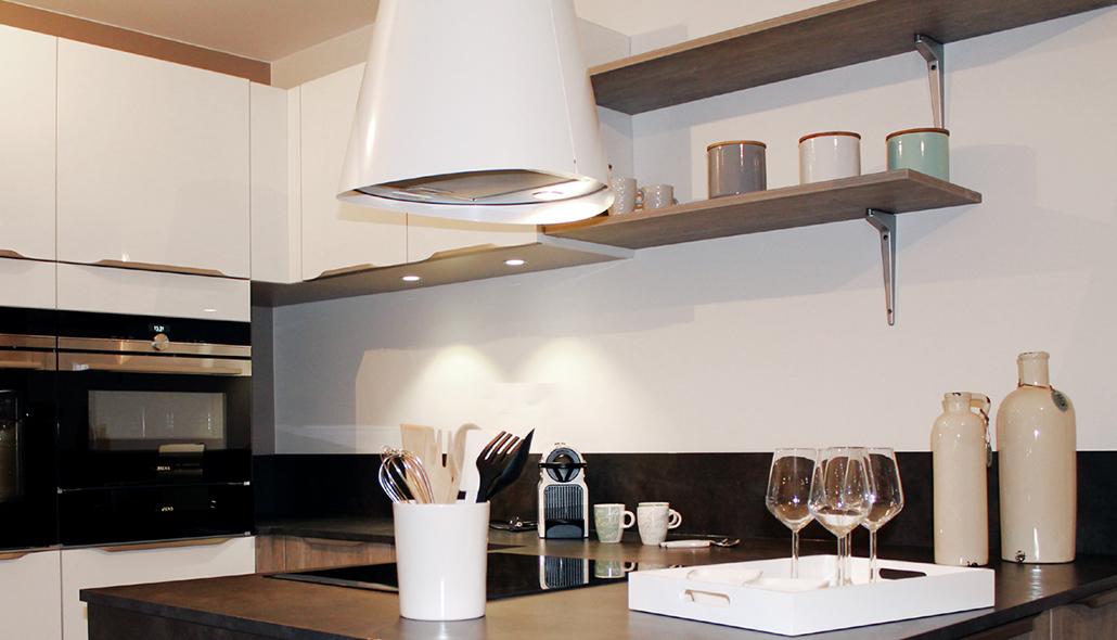cuisine-ilot-cuisson-gris-anthracite-bois_img_int