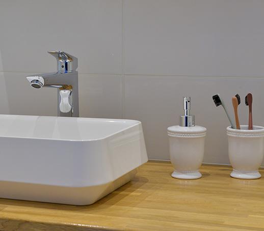 vasque-a-poser-plan-de-travail-bois