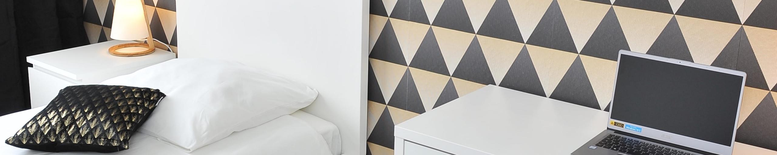 mur-papier-peint-4-murs-noir-dore