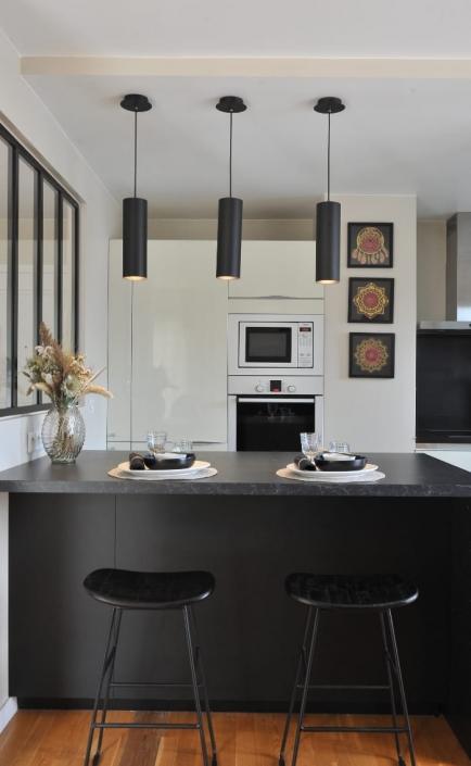 decoratrice-amenagement-cuisine-avec-ilot