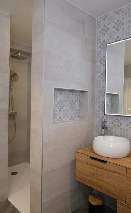 douche-italienne-grande-salle-de-bain