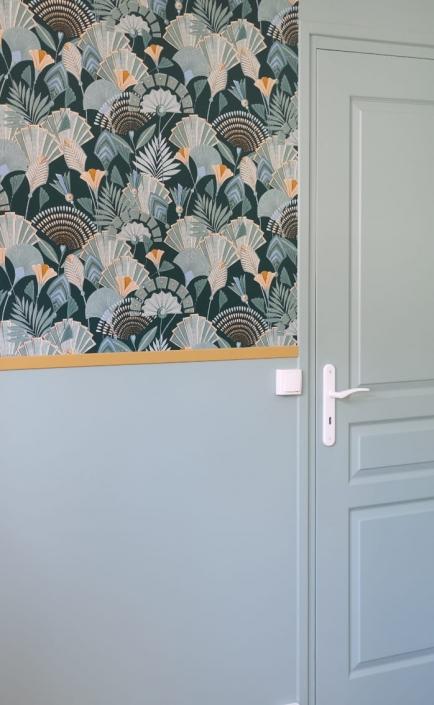 mur-papier-peint-mi-hauteur-chambre-verte